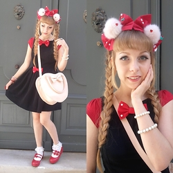 Anastassia Wonderland - Funnyjewels Red Headdress, American Apparel Little Black Dress, Offbrand (Ebay) Pink Heart Bag, Bodyline Lace Socks, Bodyline Red Shoes - Minnie mouse's colors