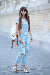 Festy In Style -  - Ripped dungarees