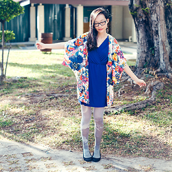Ren Rong - Dresslink Floral Kimono, Urban Outfitters Printed Tights - Moon Flowers
