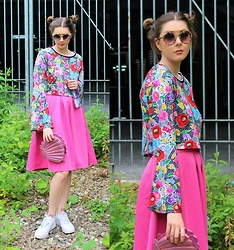 Nichola Rose - Jaded London Top, Primark Skirt, Skinny Dip Clutch - BELL SLEEVE AND SPACE BUNS