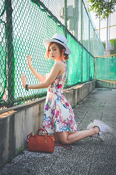 Natalie Tien -  - Dress & sneakers