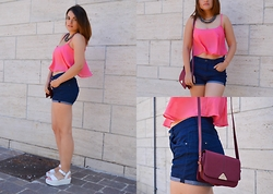 Deborah D - Bershka Crop Top, Calliope Shorts, New Look Flatform, Mango Crossbody Bag, Calliope Necklace - Last summer days
