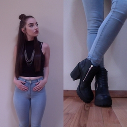 Kayla à la mode - Chained Necklace, Halter Crop Top, High Waisted Denim, Zipper Ankle Booties - WE'RE CHAINED