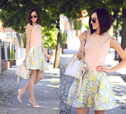 Daisyline . - Zara Heels, Zara Bag, Reserved Top - Floral skirt on www.daisyline.pl