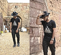 Khalil Alaoui - Fallen Tee, Wholesale7 Pant - STYLE FROM ANOTHER PLANET