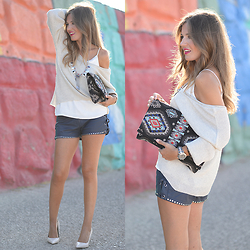 Helena Cueva - Fashion Pills Shorts, Zara Sweater, The Desire Shop Clutch, Zara Heels - Blue Shorts