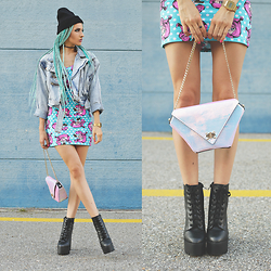 Gina Vadana - Maude Studio Purse, Amiclubwear Boots, Iron Fist Clothing Dress, 27 Jewelry Ring, Exclusives Hat - LET'S PLAY