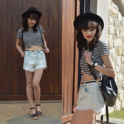 Diana Schneider - Flor Linda Crop Top, Chuá Denim Shorts, Parô Sandals - Run Away With Me