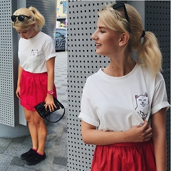 Vlada Kozachyshche - Pull & Bear Sunglasses, Ripndip Copy T Shirt, Stradivarius Skirt, Stradivarius Clutch, G Shock G Shock Baby Watch, Vans Sneakers, Peacocks Socks, Cropp Earings - Oops!