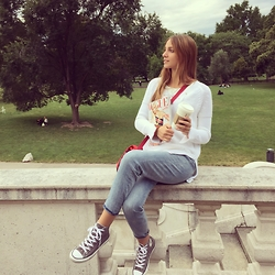 Sara K. - Zara White Jumper, H&M High Waisted Jeans, Converse Sneakers - U can never go wrong with casual