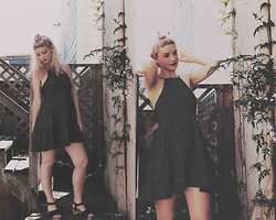 Joey Taylor - Urban Outfitters Spot Dress, Urban Outfitters Clogs - STYLE SPOT