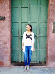 Tatyana Protsenko - Forever 21 Lacey Top, Hudson Jeans, Steve Madden, Nordstrom White Cardigan - Chic Road Trip