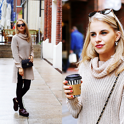 Caro Daur - Noisy May Sweater, Paloma Barcelo Shoes, Chanel Bag, Topshop Earrings, Lespecs Sunglasses - Oversized Sweater