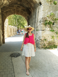 Mary Manaila - Primark Top, Zara Skirt, Zara Bag, Accessorize Sunglasses - Old Town of Rhodes
