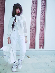 Linh Ngoc - Skinfood Bright Red In Seaweed Lip Pencil Collection, Keilish Korea White Eyelet Moto Jacket, Marc Edgy Croptop, Miss Hotty Boyfriend Jeans, Keilish Korea White Backpack, Adidas Superstar, Olive Socks - How to look edgy White on White for fall