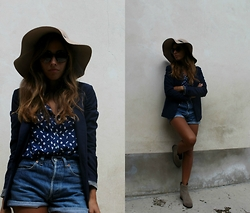 Marika - Primark Hat, Pull & Bear Blouse, Pull & Bear Blazer, Levi's® Shorts, Ash Footwear Boots, Ralph Lauren Sunglasses - Country