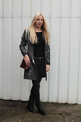 Veerle Scheutjens - Costes Jeans, H&M Top, Supertrash Boots - A splash of burgundy