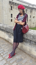 Alice Titova -  - Parisian Outfit with nice tights
