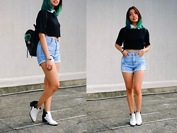 Gela Muñoz - Dresslink Collared Crop Top, Copper High Waisted Denim Cut Offs, Charles & Keith White Ankle Boots, Tomato Leather Backpack - Blue Green