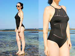 Elisa Cesarini - La Perla Swimsuit, Goddess Tattos Temporary Tattoos - The best of...La Perla