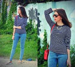 Ana Mª Aranda - Cndirect Sweater, Pull & Bear Jeans, Zara Sunglasses - Striped sweater