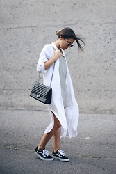 Elif Filyos - Chanel Crossbody Bag, H&M Shirt Dress - Love That Bag
