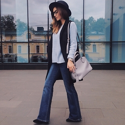 Katu Mikheicheva - Befree Fashion Jeans, Befree Blue Sweater, Coccinelle Leather Bag, Stradivarius Platform Shies, #Misha4sure Fashion Eyewear, Uterque Woolen Hat - Lovely blue