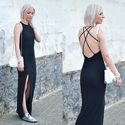 Nena F. - Bershka Maxi Dress - Black maxi dress