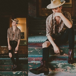Ty French - Forever 21 Faux Suede Fedora, Zara Mock Croc Print Leather Ankle Boots, Asos Super Skinny Jeans With Open Rips, Asos Reclaimed Vintage Shirt In Reptile Print - WESTERN BOY