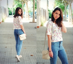 Ana Mª Aranda - Cndirect Shirt, Mango Bag, Bershka Shoes, Pull & Bear Jeans - Sweet outfit
