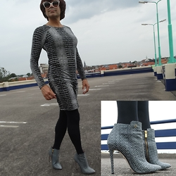 Francesca Di Parma - Supertrash Ankle Boots, Wolford Tights, Tart Collections Dress, Prada Glasses - SuperTrash 2