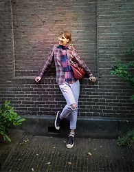 Alice Titova - Pull & Bear Checkered Shirt, H&M Checkered Scarf, Oasis Red Bag, Liquor & Poker Ripped And Acid Washed Jeans, Converse Converses By Jack Purcell - In the magical town (Haarlem)