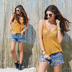 Larisa Costea - Choies Cut Out Boots, Shein Short Jeans, Romwe Crochet Top - Vintage vibe