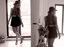 She is Magique Oh my Dior - Romwe Dress, Pull & Bear Hat, Asos Necklace, Asos Shoes - Don't complicate