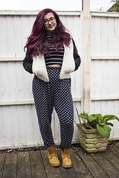 Olivia Lynn - Primark Stripe Crop, Asos Jersey Peg Trousers, Timberland Premium 6 Inch Lace Up, Topshop Shearling Bomber Jacket - Spots & Stripes
