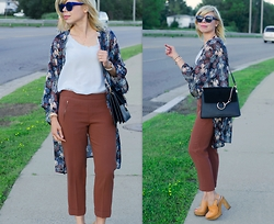 Liat Neuman - Chloé Bag, Topshop Kinono, Club Monaco Pants - Falling for Fall