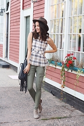 Lindsay W. - Anthropologie Plaid Peplum Top, Rag & Bone Cargo Skinnies, Woolrich Inc Wool Hat, Fringe Bag - Neutral Safari Vibes