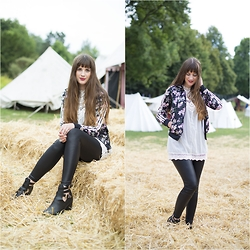 Andrea Funk / andysparkles.de - Adidas Jacket, Justfab Boots - Lace Top & Cut-Out Boots