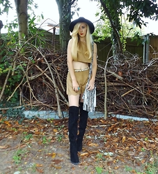Isobel Thomas - Luxemme Co Ord, New Look Over The Knee Boots - Luxemme Suede