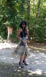 PAMELA - Anna Sui Sunnies, H&M Tank Top, Vintage Skirt, Vince Camuto Lace Up Sandals, Chanel Shoulder Bag - Gipsy Chic