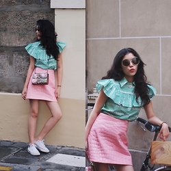 Mimi N. - Miu Top, Miu Skirt, Gucci Bag, Converse Sneakers, Chloé Sunglasses - Bonjour Paris!