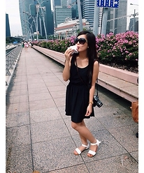 Faye Ramos - Cotton On Black Dress, Canon 1100d, H&M Sunnies - SML in SG