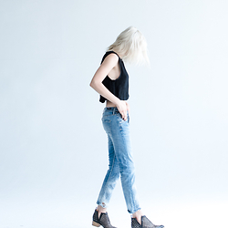 Rima Vaidila - Minkpink Crop Tank, Citizens Of Humanity Boyfriend Jeans, Jeffrey Campbell Cut Out Ankle Boots - Beating the heat