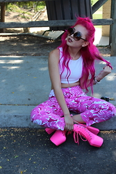 Brittniss Monster - Michael Kors Pants, Unif Heelz, Foreign Exchange Crop - So Pink.