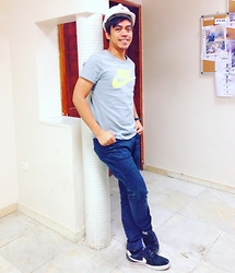 Ahmad Talon - Nike Tshirt, Nike Sneakers, Topman Skinny Jeans - Just Do It with Style