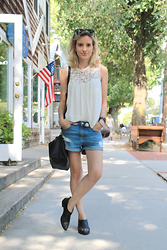Liz Benichou - Zara Crochet Top, Topshop Baggy Denim Shorts, H&M Western Ankle Boots, Ray Ban Wayfarer Sunglasses, Zara Shoulder Bag - Casual In BridgeHampton