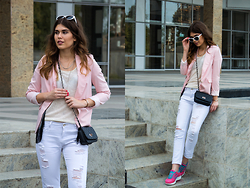Diana Ior - Zara Blazer, Stradivarius Tee, H&M Necklace, New Yorker Bag, Zara Jeans, Nike Free Air - Happy Pink