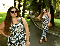 Sophie Soft - Topshop Sunglasses, Topshop Overall, Topshop Bag, Topshop Clogs - Sunny Afternoon