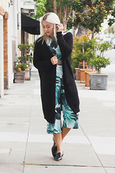 Bryn Newman (Stone Fox Style) - Oversized Cardigan, Missguided Matching Co Ord Palm Print Culotte Set - 092415