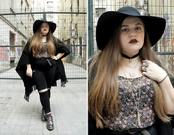 Sophie Soft - H&M Hat, New Look Top, Topshop Jeans, Topshop Poncho, H&M Socks, Dr. Martens Boots - Do you believe in Magic?